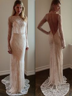 The contrast between the front and back of this @bertabridal wedding dress is so unique!