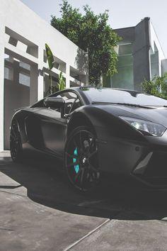 Lamborghini _______________________ WWW.PACKAIR.COM