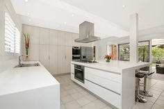 Side-by-side fridge in a kitchen design from an Australian home - Kitchen Photo 1603325