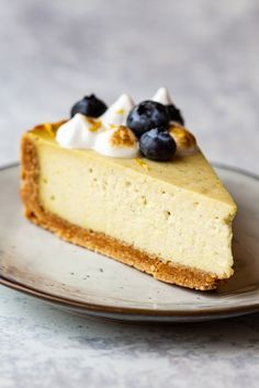 Vegan lemon cheesecake - Lazy Cat Kitchen Veggie Recipes, My Recipes, Holiday Recipes, Dessert Recipes, Vegan Meringue, Lazy Cat Kitchen, Vegan Whipped Cream, Vanilla Paste, Vegan Blueberry