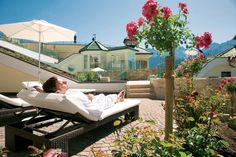 Entspannung in der Wellnessresidenz Schalber in Serfaus. Traumurlaub in Serfaus-Fiss-Ladis / Tirol #serfausfissladis #hotelschalber #schalber #wellnessresidenz #wellnesshotel Outdoor Furniture, Outdoor Decor, Sun Lounger, Bed, Home Decor, Recovery, Lawn And Garden, Chaise Longue, Decoration Home