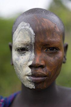 Afrika - A young Suri Woman (Photographer Alfred Weidinger)