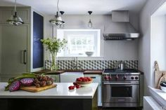 Full Size of Small Design Ideas Ana Home Kitchen Cabinet Modern Counter Smart Space Beautiful Designs.In a small kitchen.See small kitchens and get small kitchen design ideas from cabinets to… Simple Kitchen Design, Best Kitchen Designs, Kitchen Cabinet Design, Kitchen Layout, Interior Design Kitchen, Kitchen Colors, Kitchen Shelves, Kitchen Yellow, Kitchen Black