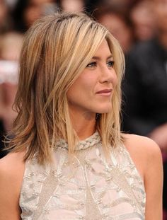 Jennifer Aniston Long Bob Hairstyle (best hairstyles for thin hair)