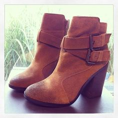 Emma Boho Ankle Boots oh my I need these. Too bad for my thick legs. I shall pretend they are long and skinny! And frolic in these beautiful boots. Bootie Boots, Shoe Boots, Ankle Boots, Fall Booties, Suede Booties, Heel Boot, Tan Boots, Brown Boots, Brown Suede