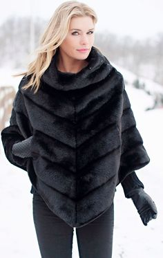Highlight your layered look with the luxe, faux fur design of this poncho boasting a sleek silhouette for a classic addition to your outerwear wardrobe. Today's Fashion Trends, Fur Fashion, Winter Fashion, Fashion Outfits, Poncho Outfit, Fur Clothing, Fabulous Furs, Winter Stil, Fashion Seasons