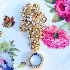 Golden Cascade Rhinestone Brooch Memory by MoniquesBijouxStudio