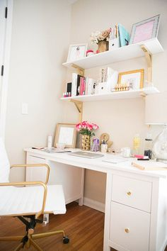 Small Home Office Design Ideas 150 Small Space Office, Home Office Space, Home Office Desks, Small Spaces, Work Spaces, Small Workspace, Office Spaces, Desk Space, Office Walls
