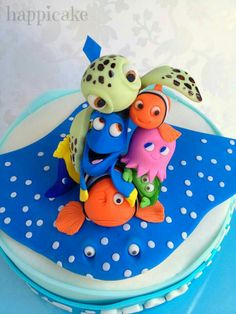 So cute! I don't care that this is a cake...it's getting turned into a mural in my kid's room!