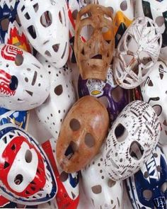 When did goalies stop using this style of mask? Was it because of a grandfather rule like the helmet for players? Goalie Gear, Goalie Mask, Montreal Canadiens, Nhl, Women's Hockey, Hockey Stuff, Plaster Crafts, Masked Man, Toronto Maple Leafs
