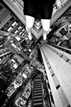 Cebe13 :: Don't Look Down!! These is what some people do....EB