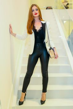 """Looks With Leather Pants """" 15 Ideas To Get Out Of The Same Way! - Trendy Queen : Leading Magazine for Today's women, Explore daily Fashion, Beauty & Lifestyle Tips Casual Work Outfits, Girly Outfits, Mode Outfits, Fashion Outfits, Womens Fashion, Fashion Trends, Leather Look Jeans, Look Blazer, Legging Outfits"""