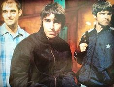 Bonehead, Liam and Noel! #flashbackfriday #oasisworld #upinthesite #noelthegoodrebel #oasisfansclub #oasisdna #oasisdaily #kulbritania #90s #Bonehead #LiamGallagher #NoelGallagher