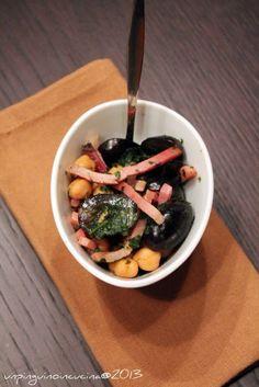 Un pinguino in cucina: Insalata di ceci, uva e speck - Chickpea, Grape and Bacon Salad
