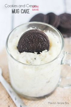 A 5 minute cake in a mug recipe that will satisfy those late night cravings! This cookies and cream mug cake is so easy and yummy!