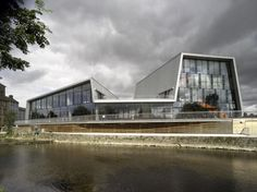 Thurles-Arts-Centre-and-Library-by-McCullough-Mulvin-Architects-Ireland