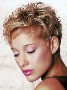Pictures of extra short hairstyles pictures. 153/200.