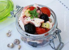 Insalata di polpo e pomodorini con olive e sedano