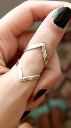 Chevron Ring, Arthritis Ring, Splint Knuckle Ring, Adjustable Thumb Ring, Sterling Silver Ring for W Unique Silver Rings, Silver Wedding Rings, Vintage Engagement Rings, Ruby Wedding, Wedding White, Wedding Rings For Women, Gold Wedding, Wedding Engagement, Geode Jewelry