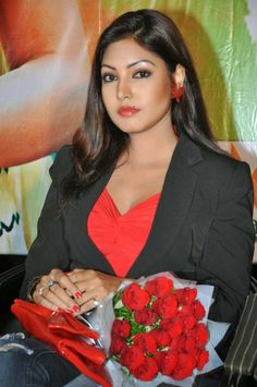 Komal Jha Latest Movie Pics, Komal Jha Latest Photos, Komal Jha Latest Pictures, Komal Jha Latest spicy Stills, Komal Jha Latest Still, Komal Jha Legs Show Pictures