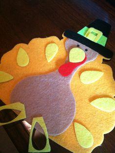 Felt Turkeys for kids craft on Thanksgiving