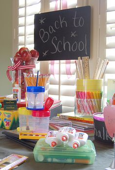 18 Creative Back-to-School Ideas - Super cute, really great ideas!!! Check this out CIndy!
