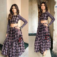 "Shilpa Shetty Kundra (@theshilpashetty) on Instagram: ""Desi boho for the #holi special on #superdancer sets in @punitbalanaofficial outfit, @azotiique…"""