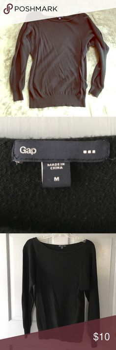 SELLING EVERYTHING❤️ GAP sweater Black gap sweater. Sweaters