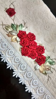 Wonderful Ribbon Embroidery Flowers by Hand Ideas. Enchanting Ribbon Embroidery Flowers by Hand Ideas. Ribbon Embroidery Tutorial, Simple Embroidery, Types Of Embroidery, Learn Embroidery, Silk Ribbon Embroidery, Embroidery For Beginners, Hand Embroidery Patterns, Embroidery Stitches, Embroidery Designs