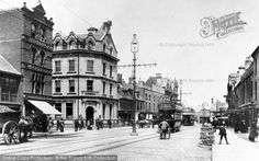 Long Causeway, #Peterborough, 1904. Designated a New Town in 1967, Peterborough Development Corporation was formed in partnership with the city and county councils to house London's overspill population in new townships sited around the existing urban area. #history #photography