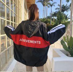 Hooded Bomber Jacket, Rain Jacket, Sporty Outfits, Stylish Outfits, Sporty Clothes, Windbreaker Outfit, Fashion Cover, Korea Fashion, School Fashion