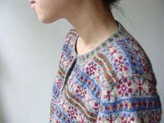Fair isle cardigan pattern by Yoko Hatta | Ravelry #cardigan #Japanese #FairIsle #knitting #pattern