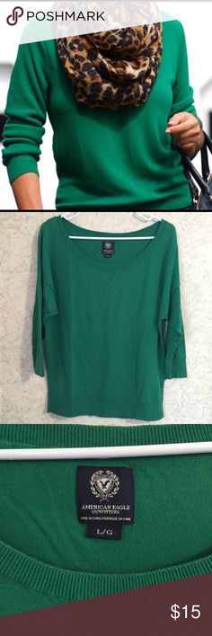 Gently loved kelly green American Eagle sweater Gently loved American Eagle Outfitters sweater. Slightly oversized with drop shoulder. Wide neck, can be worn on or off shoulders. Beautiful knit with minimal signs or wear. No stains or tears. American Eagle Outfitters Sweaters Crew & Scoop Necks