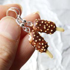 Nanuky s čokoládou a oříšky (jeden nakousnutý) Bracelets, Jewelry, Jewlery, Bijoux, Schmuck, Jewerly, Bracelet, Jewels, Jewelery
