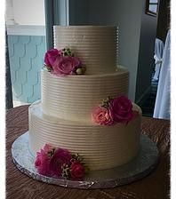 Classic Wedding Cake French Kiss Pastries