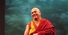 ¿Qué es la felicidad y cómo podemos obtenerla? El bioquímico convertido en monje budista Matthieu Ricard dice que podemos entrenar nuestras mentes en hábitos de bienestar que generan una verdadera sensación de serenidad y realización.