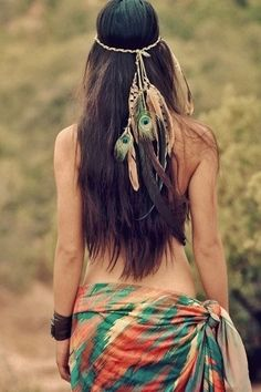 17 Beauty Techniques From All Over The World! #Fashion #Beauty #Trusper #Tip Feather Extensions, Hair Extensions, Fashion Tips, Fashion Trends, Fashion Design, Natural Hair Styles, Peacock, Packaging, Feathers