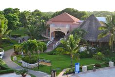 http://www.sandos.com/hotels/playa-del-carmen/sandos-playacar-beach-resort-spa Visit our IL Piemonte and try a variety of #Italian dishes