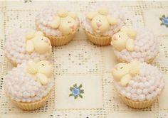 Sabonete em formato de cupcake sabor chantily. Aroma bem docinho e gostoso!  Todos os cupcakes vem especialmente embalados