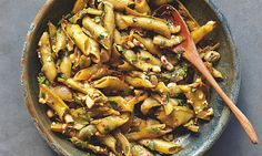 Braised broad beans in their shells, with chilli and garlic