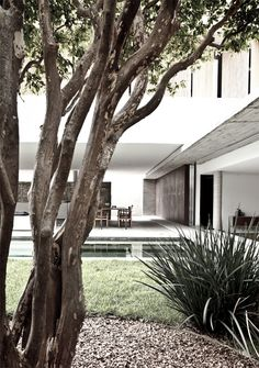 Marcio Kogan. Outdoor / indoor living.