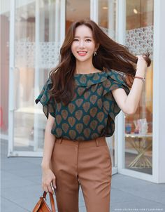 Korean Women`s Fashion Shopping Mall, Styleonme. Simple Kurti Designs, Blouse Designs, Stylish Dresses For Girls, Stylish Tops For Women, Girls Top Design, Indian Gowns Dresses, Kurti Designs Party Wear, Designs For Dresses, Up Girl