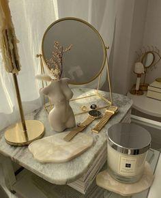 Dream Rooms, Dream Bedroom, Room Ideas Bedroom, Bedroom Decor, Rooms Ideas, Deco Studio, Aesthetic Room Decor, Dream Apartment, House Rooms