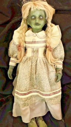 "28"" Haunted house prop baby doll halloween vtg horror zombie swamp walking dead"