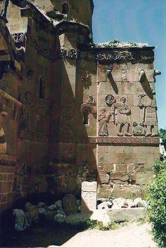 Akdamar church - David and Goliath