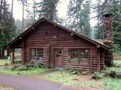 Simplicity is Happiness Small Log Cabin, Log Cabin Homes, Cozy Cabin, Small Cabins, Log Cabins, Weekend House, H & M Home, Cabins And Cottages, Cabins In The Woods
