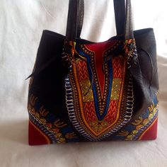 Dashiki handbag. Black purse. Women's fashion. African fashion. Make a statement with this bag. Additional colors available. Contact me to order.