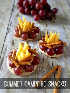 Summer Campfire Snacks by Inspiration for Moms Hi there! It's Laura from Inspiration for Moms. I am so happy to be here visiting on Skip to my Lou today. Let's face it, making all these fabulous kids crafts can make little ones hungry. Camping Parties, Camping Meals, Kids Meals, Parties Food, Beach Camping, Healthy Camping Snacks, Camping Tarp, Camping Desserts, Camping Cabins