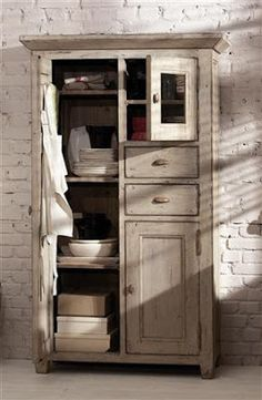 I would love this cabinet for extra storage.  ♥♥