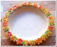 Colored Leaves Dough Cut-Outs Make a Decorative Pie Crust Rim - I'm thinking either Pumpkin Pie or Pecan Pie would be adorable in this! Pie Crust Dough, Pie Crusts, Pie Crust Designs, Best Pecan Pie, Pink Martini, Pie Crust Recipes, Fall Treats, Pie Dessert, Dessert Recipes